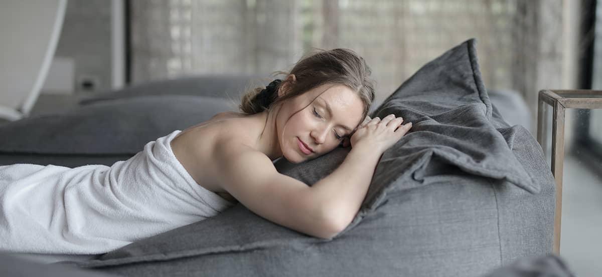 Imbunatatirea calitatii somnului cu ajutorul sesiunilor de Herbalsauna